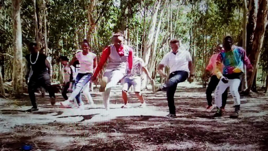 "KUMBEKUMBE"" TRENDY 2017 DANCE IN KENYA BY BAHATI FT MR SEED OFFICIAL"
