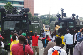 Video:CORD leaders, supporters engage police in running battles