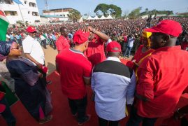 Video:Governor Hussein Dado diches ODM and joins Jubilee during theTononoka rally