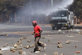 Violence erupts in Harare after anti-Mugabe rally