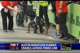 [VIDEO] Kenyan woman crawls her way to third place in Austin Marathon