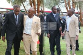Discomfort among top officials as Singer Jaguar and President Uhuru hold private talk at Sagana State Lodge