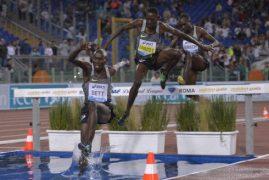World champion Bett crashes out of 400m hurdles