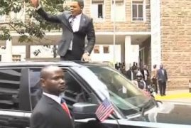 Spectacle as Comedians Carry Out a Mock Welcome for Obama in Nairobi [VIDEO]