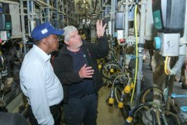 Video:Uhuru amazed by level of agricultural innovation in Israel