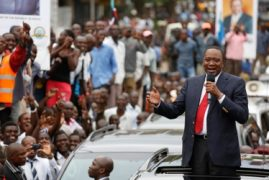 VIDEO:Song and Dance in Kisumu as Residents Welcome President Uhuru Kenyatta